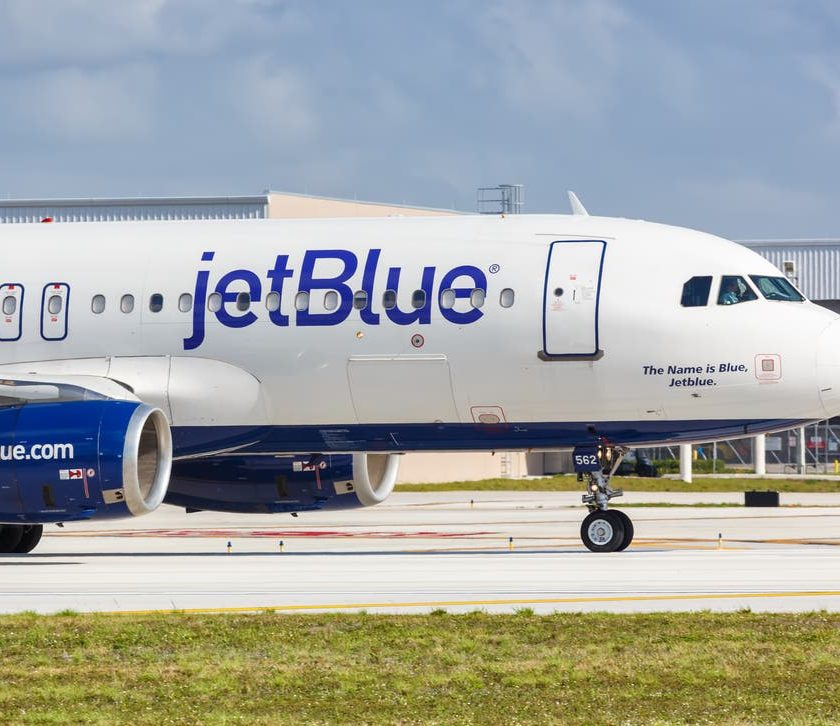 Pasajero de Jetblue intenta asaltar cabina - AHORA US